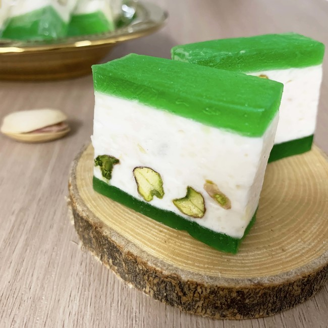 Pistachio Nougat with Apple